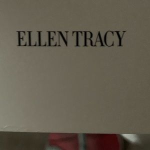 Ellen Tracy NWT top great for summer